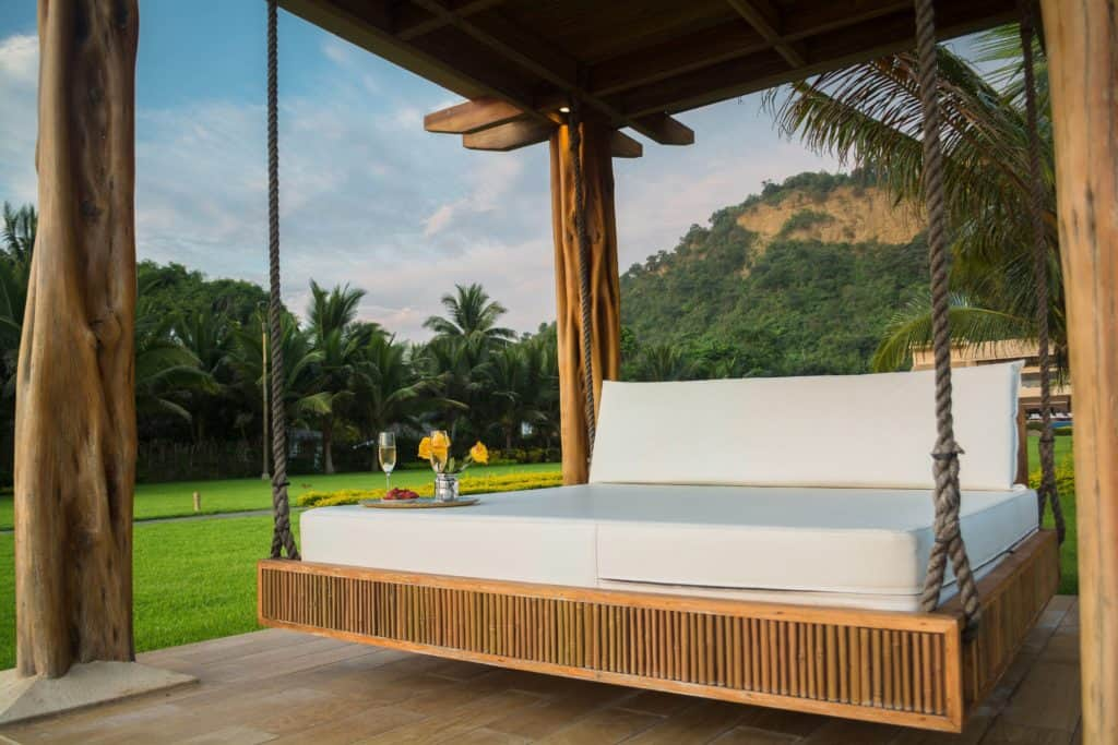Things to Consider When Choosing Outdoor Furniture